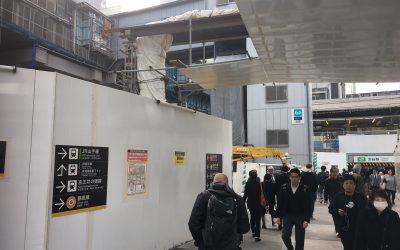 建設中のビル方面に直進するとすぐ右手 写真