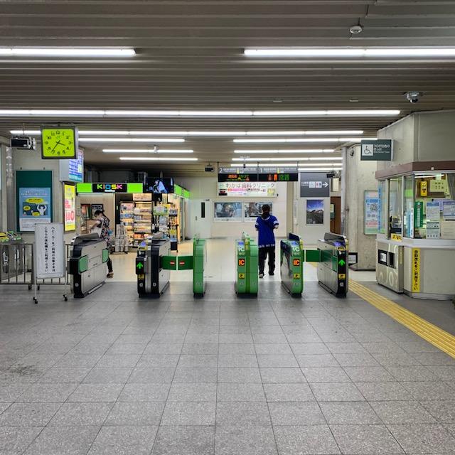 JR総武線下総中山駅 改札